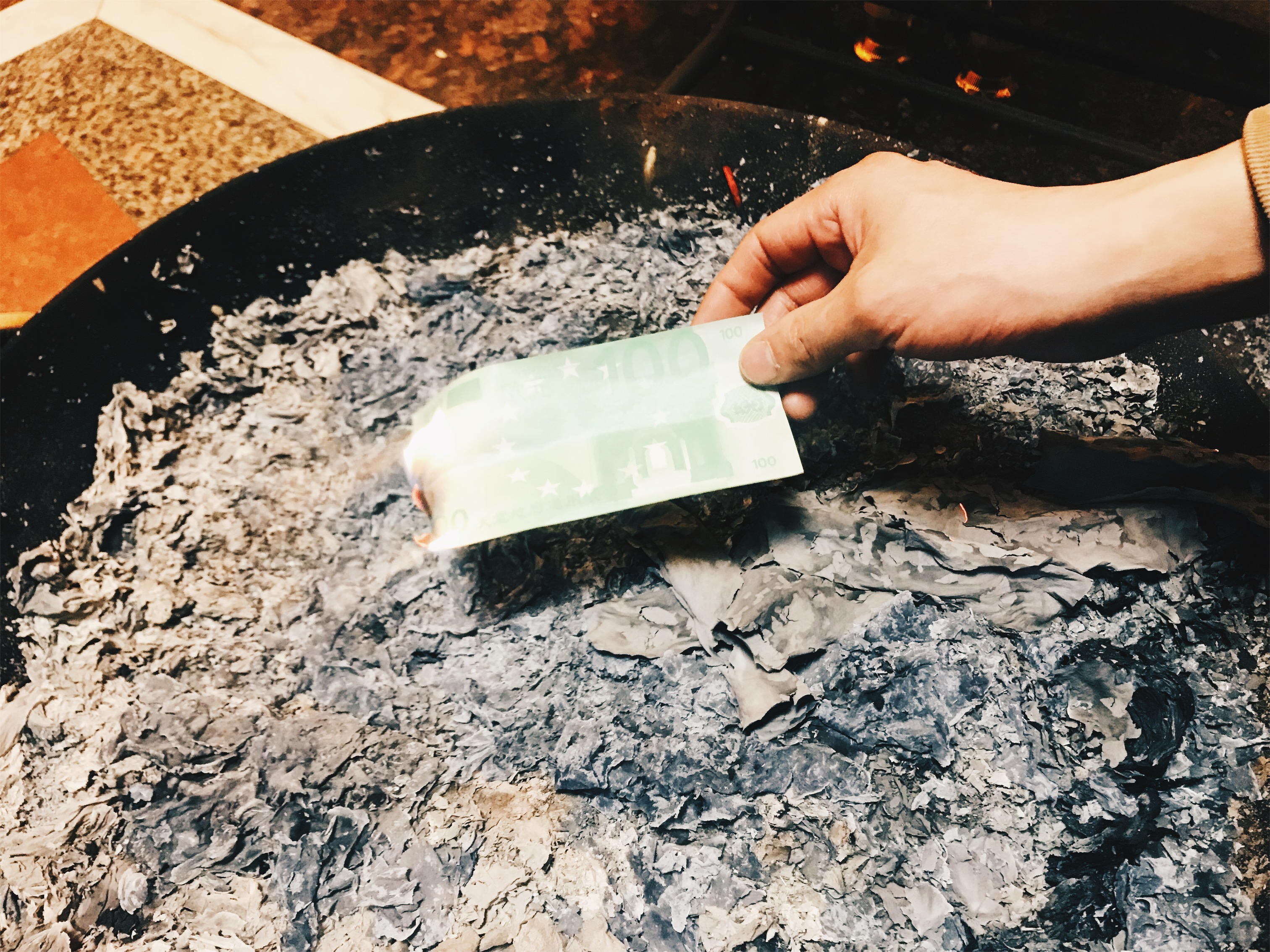 Chinese funeral - burning fake money for afterlife real money